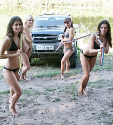UAZ_Girl_8.jpg